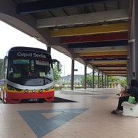 Photo taken at Terminal Bas Kuala Perlis by Hazelnut on 8/20/2016