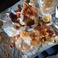 Photo taken at Hot N Juicy Crawfish by Amber Nichole M. on 12/7/2014