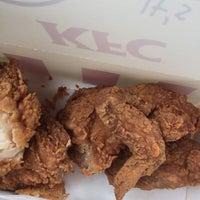 Photo taken at KFC Seri Iskandar by Nor Asyikin Z. on 10/14/2016