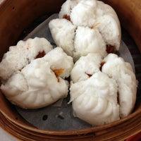 Photo taken at Dumplings' Legend by Bruce C. on 8/8/2013