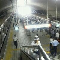 Photo taken at Midosuji Line Yodoyabashi Station (M17) by ナイトホーク へ(ё)へ f. on 9/26/2012