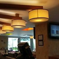 Photo taken at Muizz Cafe & Restaurant by Ümmühan Ö. on 4/27/2016