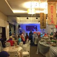 Photo taken at Sangkar Kristal by Arafat N. on 6/19/2016