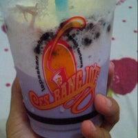 Photo taken at Es Bang Joe - The Real Milkshake by Melissa A. on 9/7/2014