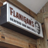 Photo taken at Flanigan's Seafood Bar & Grill by QueenofGems on 8/10/2013