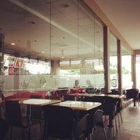 Photo taken at Burger King by Mustafa A. on 11/26/2012