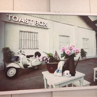 Photo taken at BreadTalk / Toast Box by Selena L. on 6/18/2013