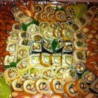 Photo taken at Sushi Hokō-Ki by Gustavo V. on 2/3/2013
