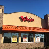 Photo taken at Bojangles' Famous Chicken 'n Biscuits - CLOSED by Joel P. on 1/26/2013