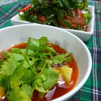 Photo taken at ร้านอาหารตามส่ัง พ่ีแหม่ม พ่ีดิศ by Sev S. on 3/28/2013