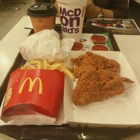 Photo taken at McDonald's by Ain L. on 10/28/2016