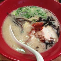 Photo taken at 一風堂 クイーンズイースト店 by Naoko N. on 11/11/2012