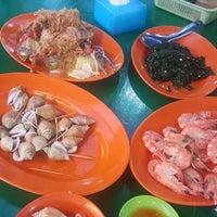 Photo taken at Salut Seafood Restaurant by KYspeaks on 7/21/2016