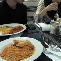 Photo taken at Capricciosa Pasta & Pizza by NUR FALAHIAH A. on 6/29/2016