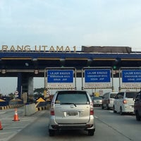 Photo taken at Gerbang Tol Cikarang Utama by Tulus on 11/10/2012