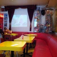 Photo taken at Tubby Dog by Taeko U. on 12/2/2012