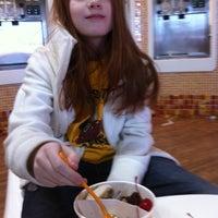 Photo taken at Orange Leaf Frozen Yogurt by Cheryl G. on 1/24/2014