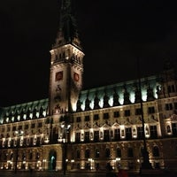 Photo taken at Hamburger Rathaus by Pappklappe on 2/2/2013