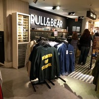 Photo taken at Pull & Bear by Ulises V. on 11/25/2016