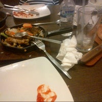 Photo taken at Pizza Hut by christin19 on 10/7/2012
