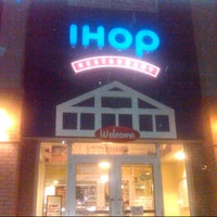 Photo taken at IHOP by Aldanzo P. on 10/3/2012
