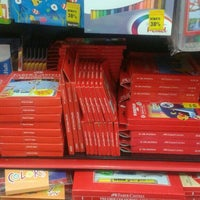 Photo taken at Popular Bookstore by meori o. on 12/23/2015