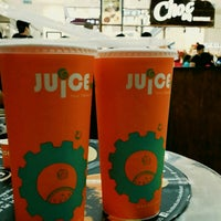 Photo taken at Juice Works by Yee J. on 5/16/2015
