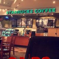 Photo taken at Starbucks by Abdulla A. on 6/1/2016