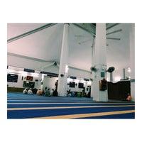 Photo taken at Masjid Qariah Teluk Kemang by Muhamad M. on 5/11/2016