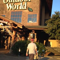 Photo taken at Bass Pro Shops Outdoor World by Dora T. on 9/27/2013