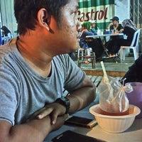 Photo taken at Restoran PKS Maju by Akem B. on 8/27/2016