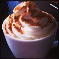 Photo taken at Starbucks by Tatiane G. on 3/29/2013