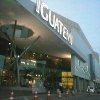 Foto tirada no(a) Shopping Center Iguatemi por Elaine C. em 1/3/2013