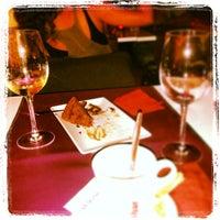 Photo taken at Magnolia Restaurant by Rubèn A. on 9/3/2013