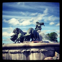 Photo taken at Gefionspringvandet (Gefion Fountain) by Vojta P. on 6/9/2013