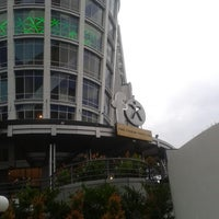 Photo taken at fX Sudirman by Joey W. on 6/11/2013