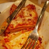 Photo taken at Pizza Hut by Eduardo V. on 6/29/2015