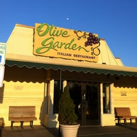 Photo taken at Olive Garden by Daniel D. on 4/23/2013