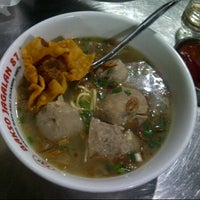 Photo taken at Bakso Jagalan 87 by Litta S. on 4/18/2013