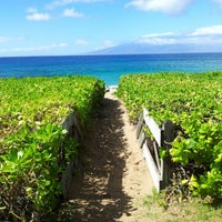 Photo taken at Kā'anapali Beach by Rob R. on 10/29/2012