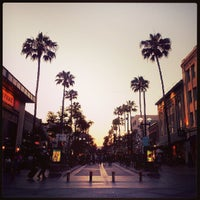Photo taken at Third Street Promenade by Lewis C. on 5/13/2013