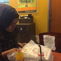 Photo taken at Big Apple Donuts & Coffee by Akuw A. on 5/23/2016