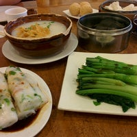 Photo taken at Winsor Dim Sum Cafe by Xi X. on 7/5/2016