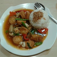 Photo taken at Kimteng Coffee by Anton C. on 8/18/2014