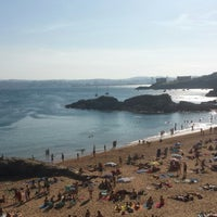 Photo taken at Praia de Espiñeiro by Moekko on 8/18/2014