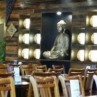 Photo taken at Chong Co Thai Restaurant & Bar by Rezwan I. on 1/8/2016