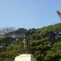 Photo taken at Mahatma Gandhi Circle (ಮಹಾತ್ಮಾ ಗಾಂಧಿ ವೃತ್) by Vivek S. on 2/21/2016