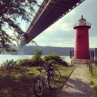 Photo taken at Little Red Lighthouse by Monica N. on 8/16/2015