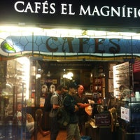 Photo taken at Cafés El Magnífico by Maria G. on 10/11/2012