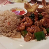 Photo taken at Wu's Fine Chinese Cuisine by Nancy R. on 1/5/2013